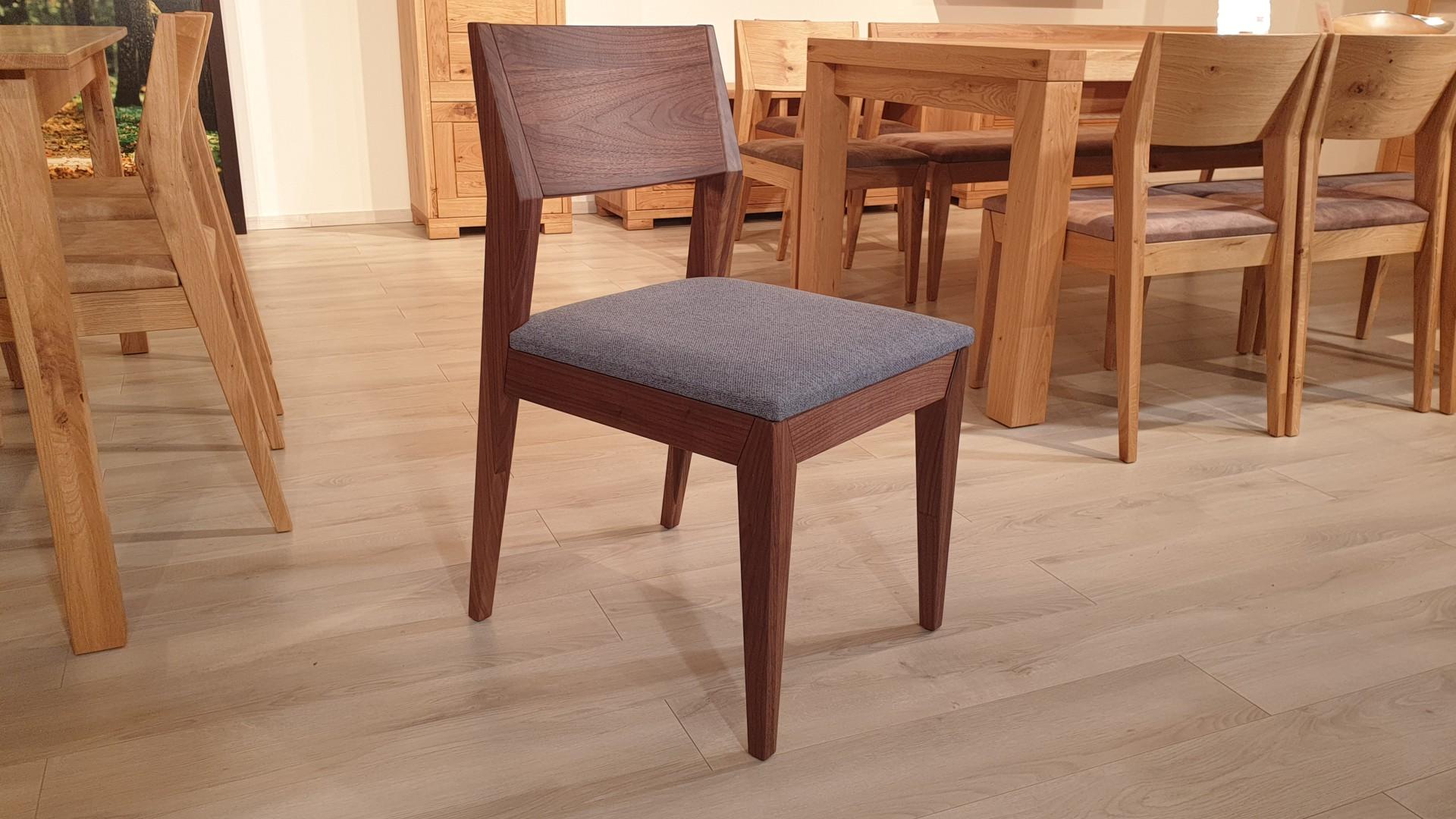 Egészségünk szempontjából is fontos, milyen széken ülünk