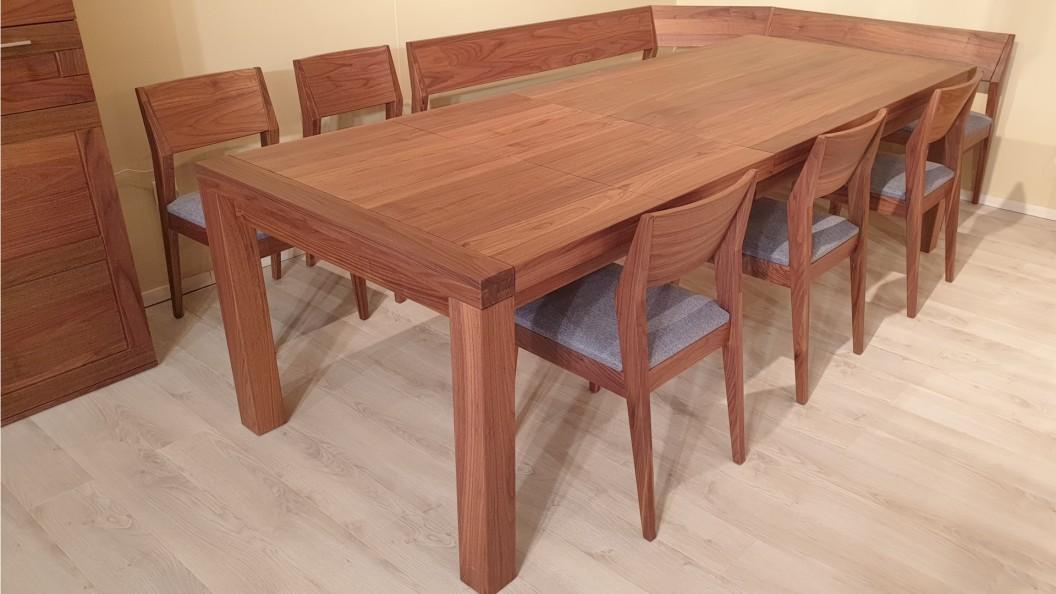Bővíthető diófa asztal