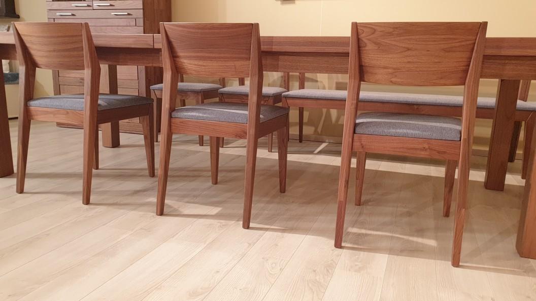 Diófa székek