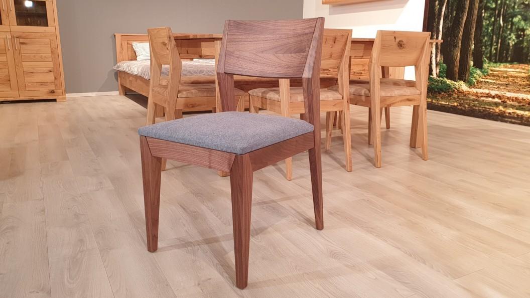 Event tömör diófa szék