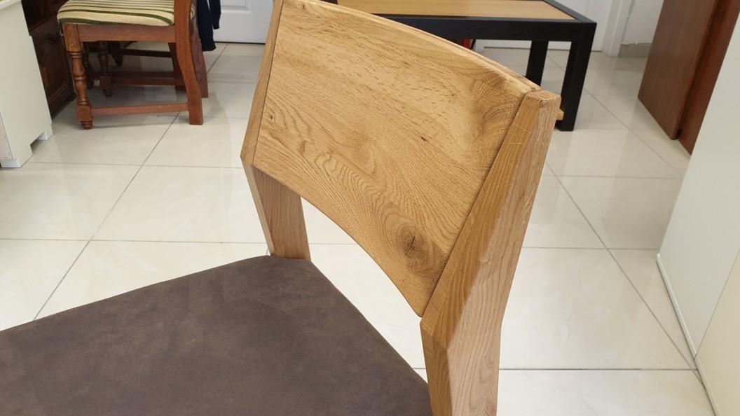 Event tömörfa szék támlája