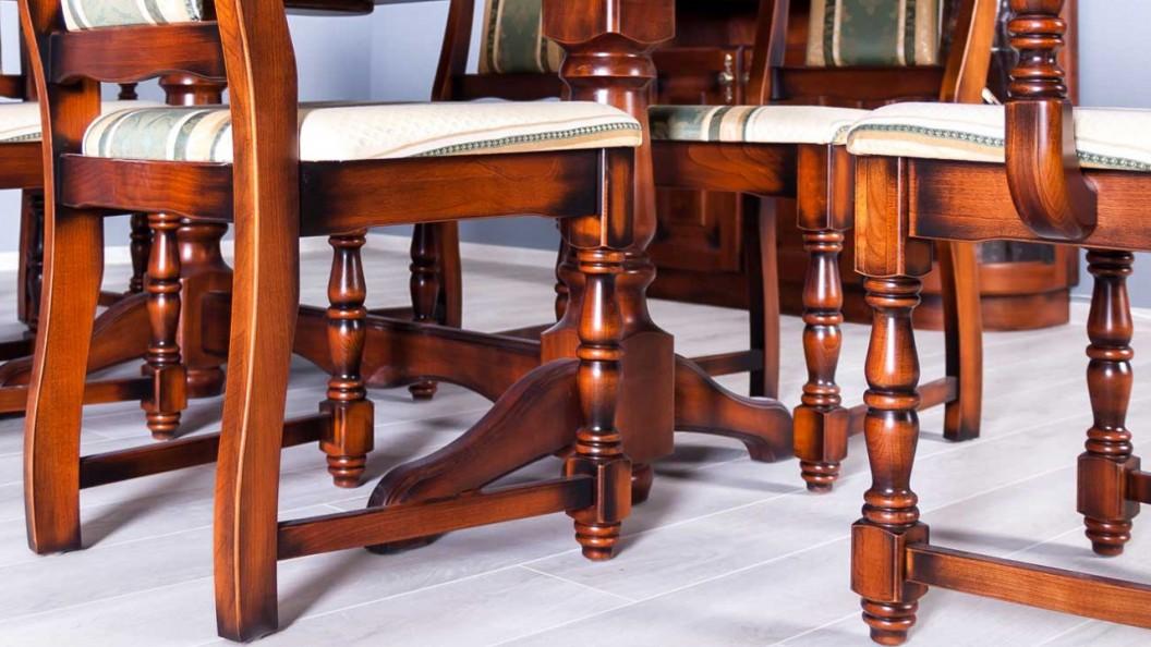 Family antikolt székek
