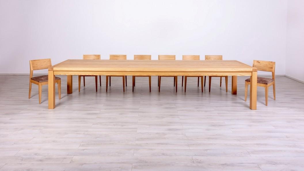 Egyedi méretű étkezőasztal