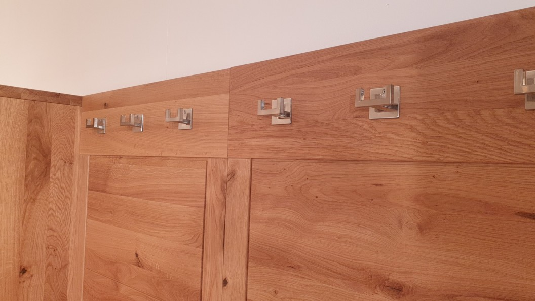 Innova előszoba szekrény fogassal