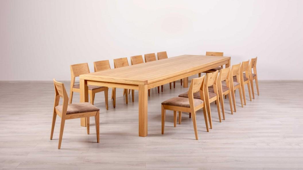 14 személyes egyedi tölgyfa asztal